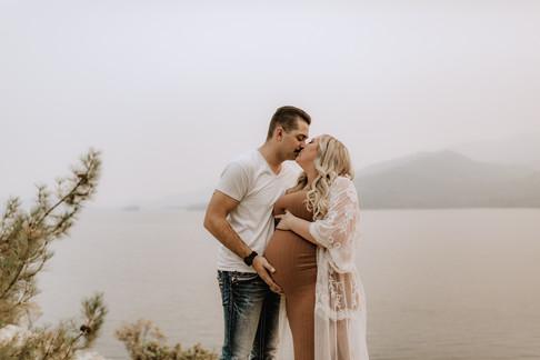 Jessica and Jacob Maternity (47).jpg