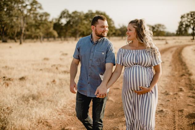 Shelby and Joshua Maternity (221).jpg