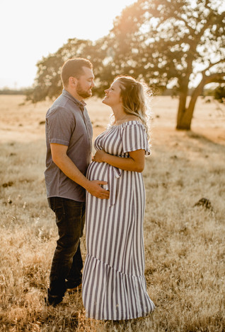 Shelby and Joshua Maternity (232).jpg