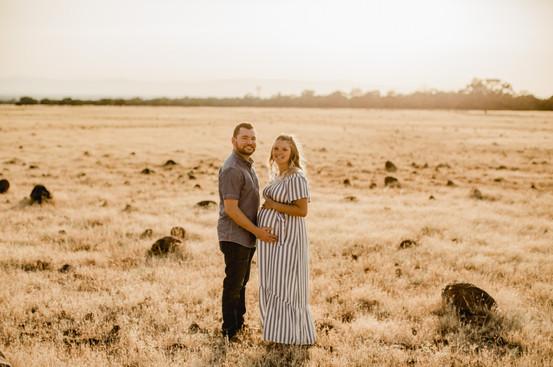 Shelby and Joshua Maternity (236).jpg