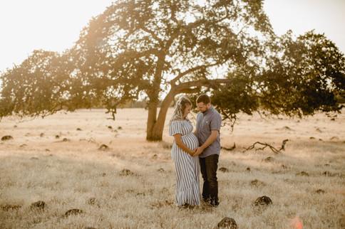 Shelby and Joshua Maternity (224).jpg
