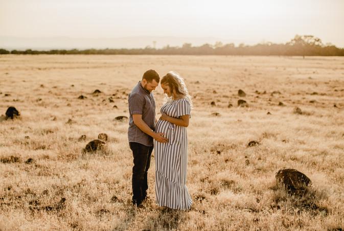 Shelby and Joshua Maternity (238).jpg