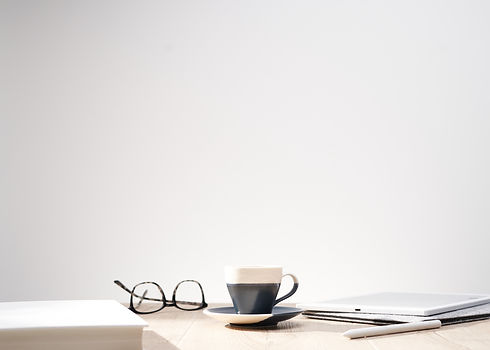 beautiful-shot-optical-glasses-cup-table