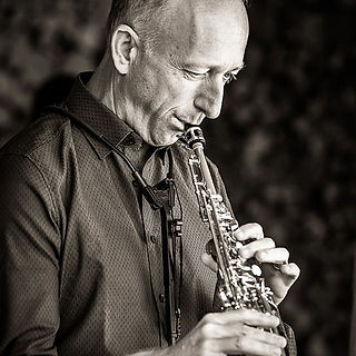 Live-Musik Gesang und Saxophon Peter Erdrich