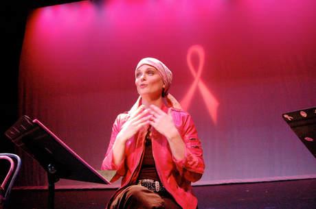 Pink Ribbon Overdose-Erica McDermott, Photo by L.Rafferty.JPG