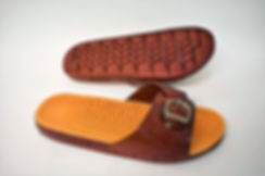 Durable massage EVA slippers for the modern Singaporean women. These slippers are well loved by Singaporean women of all ages. Scale Footwear Enterprise Pte Ltd is the importer, supplier, wholesaler and exporter of these Asadi EVA slippers in Singapore.