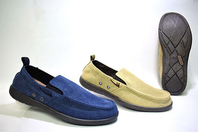 Stylish and colourful canvas shoes for the modern Singapore consumer. These canvas shoes are well liked by Singaporean men from all ages. Scale Footwear Enterprise Pte Ltd is the importer, supplier, wholesaler and exporter of Warrior canvas shoes in Singapore.