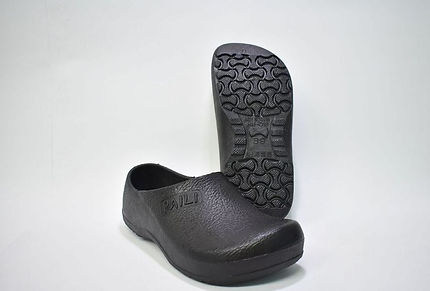 Affordable, Stylish and Anti-slip Kitchen Shoes. Scale Footwear Enterprise Pte Ltd is the sole supplier, distributor and exporter of the shoes in Singapore.