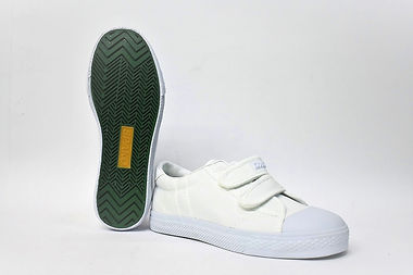 Light and durable velcro strapped school shoes for young children. These school shoes are well liked by Singaporean students and children. Scale Footwear Enterprise Pte Ltd is the sole supplier, distributor and exporter of the shoes in Singapore.