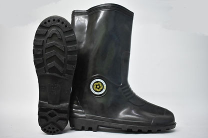 Durable and comfortable Rain Boots. These boots are suitable to be worn in slippery work environment. Scale Footwear Enterprise Pte Ltd is the sole supplier, distributor and exporter of the shoes in Singapore.