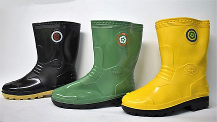 Strong and comfortable Rain Boots. These boots are suitable to be worn in slippery work environment. Scale Footwear Enterprise Pte Ltd is the sole supplier, distributor and exporter of the shoes in Singapore.