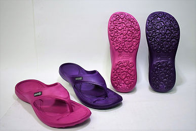 Comfortable Asadi EVA slippers for the modern Singaporean women. These slippers provide  a good grip on different terrains. Scale Footwear Enterprise Pte Ltd is the importer, supplier, wholesaler and exporter of these Asadi EVA slippers in Singapore.
