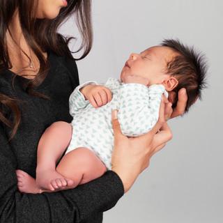 newborn_Hollister.jpg