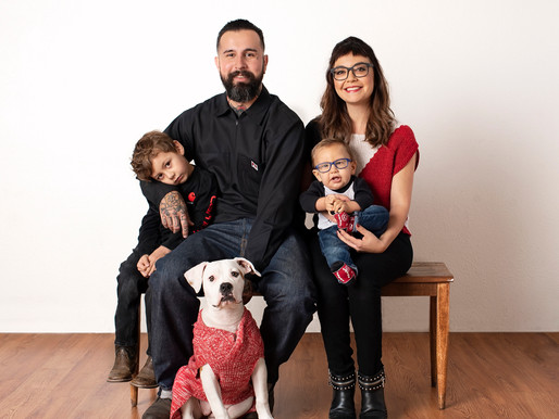 Including Pets in your Family Session
