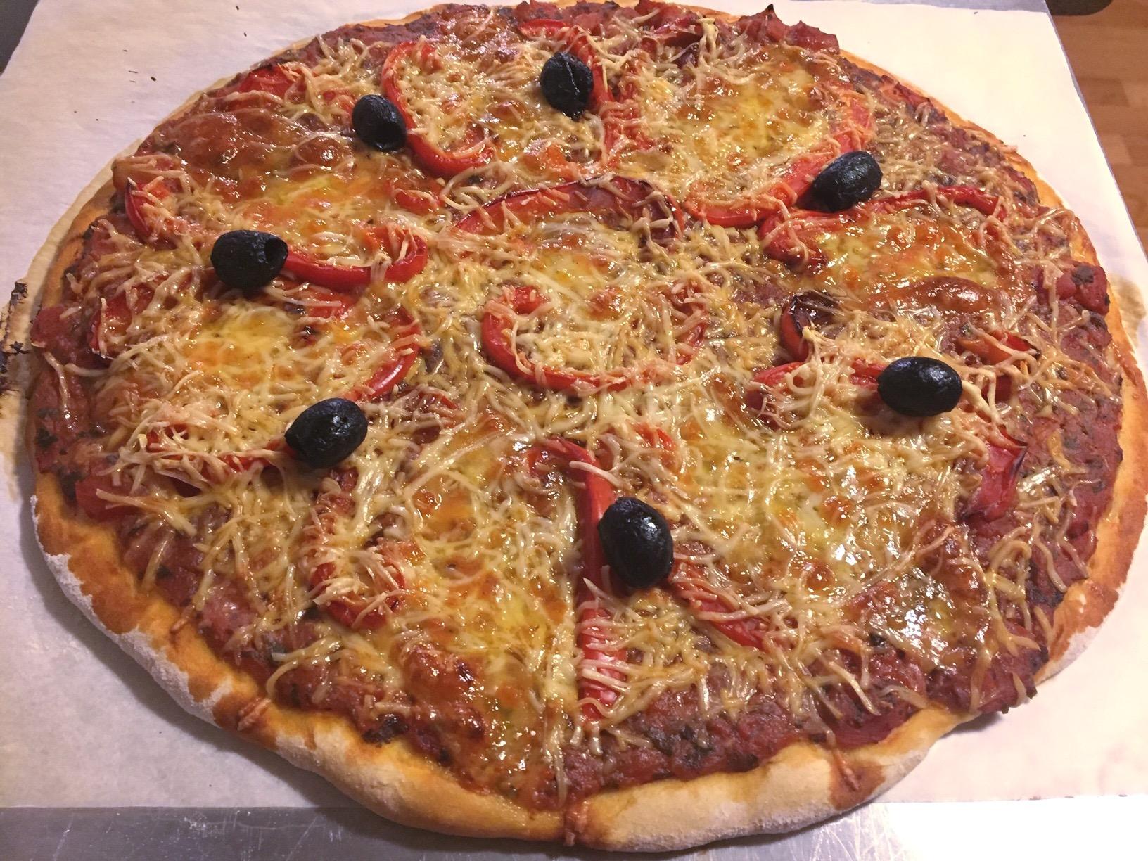 Pizza mozzarella poivron