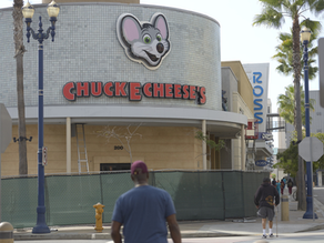 Owner of Chuck E. Cheese Files for Chapter 11 Bankruptcy, Cites Closings in Pandemic