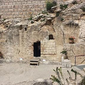 albert-tours-israel-garden-tomb_edited.j