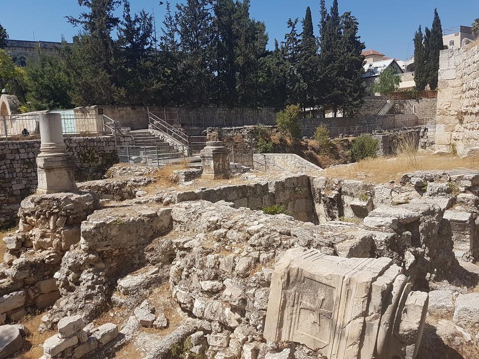 Ruines de l'église byzantine de Sainte-Anne