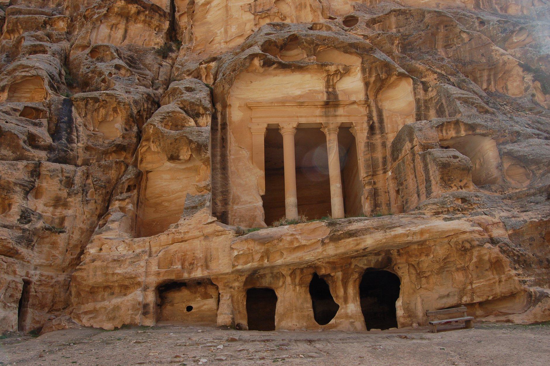 albert-tours-israel-little-petra-tomb