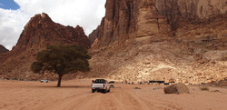 albert-tours-israel-wadi-rum-jeep