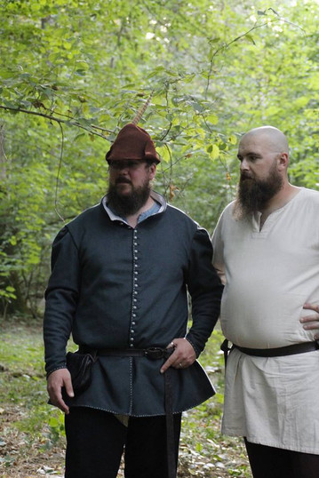 Le seigneur Alister et Angus Brise Muraille