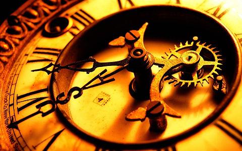 antique-clock-clock-face-close-up-hands-wallpaper-background-3208604.jpeg