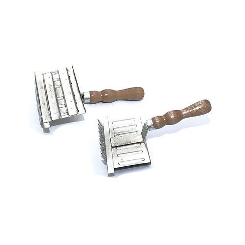 Ferro Raspar (cabo madeira) UMBRIA EQUITAZIONE