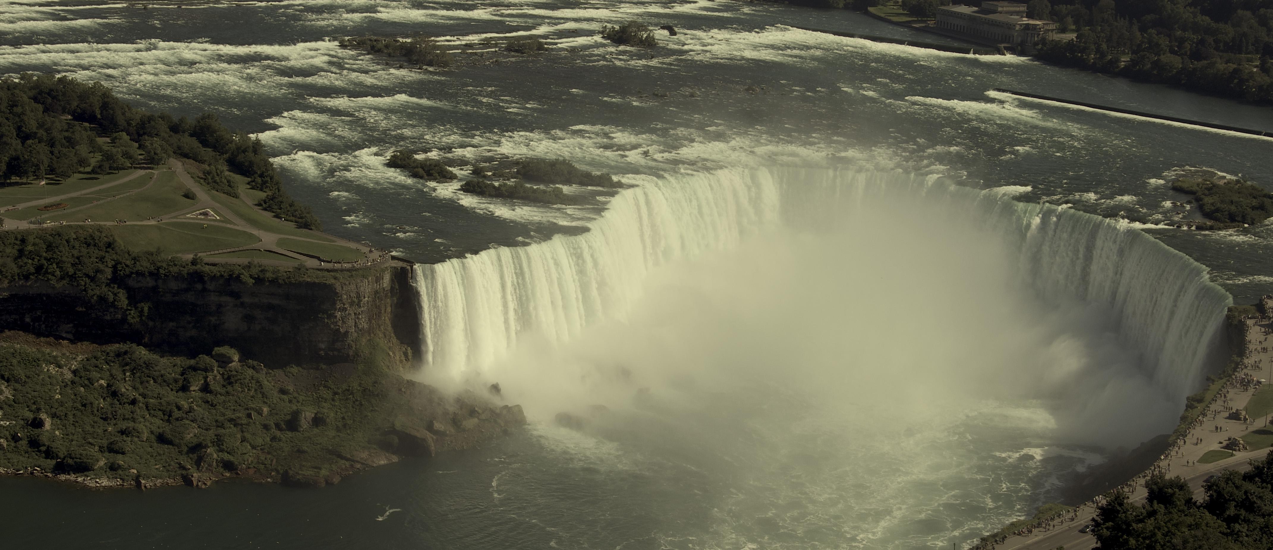 retouched+Niagara+falls+3.jpg