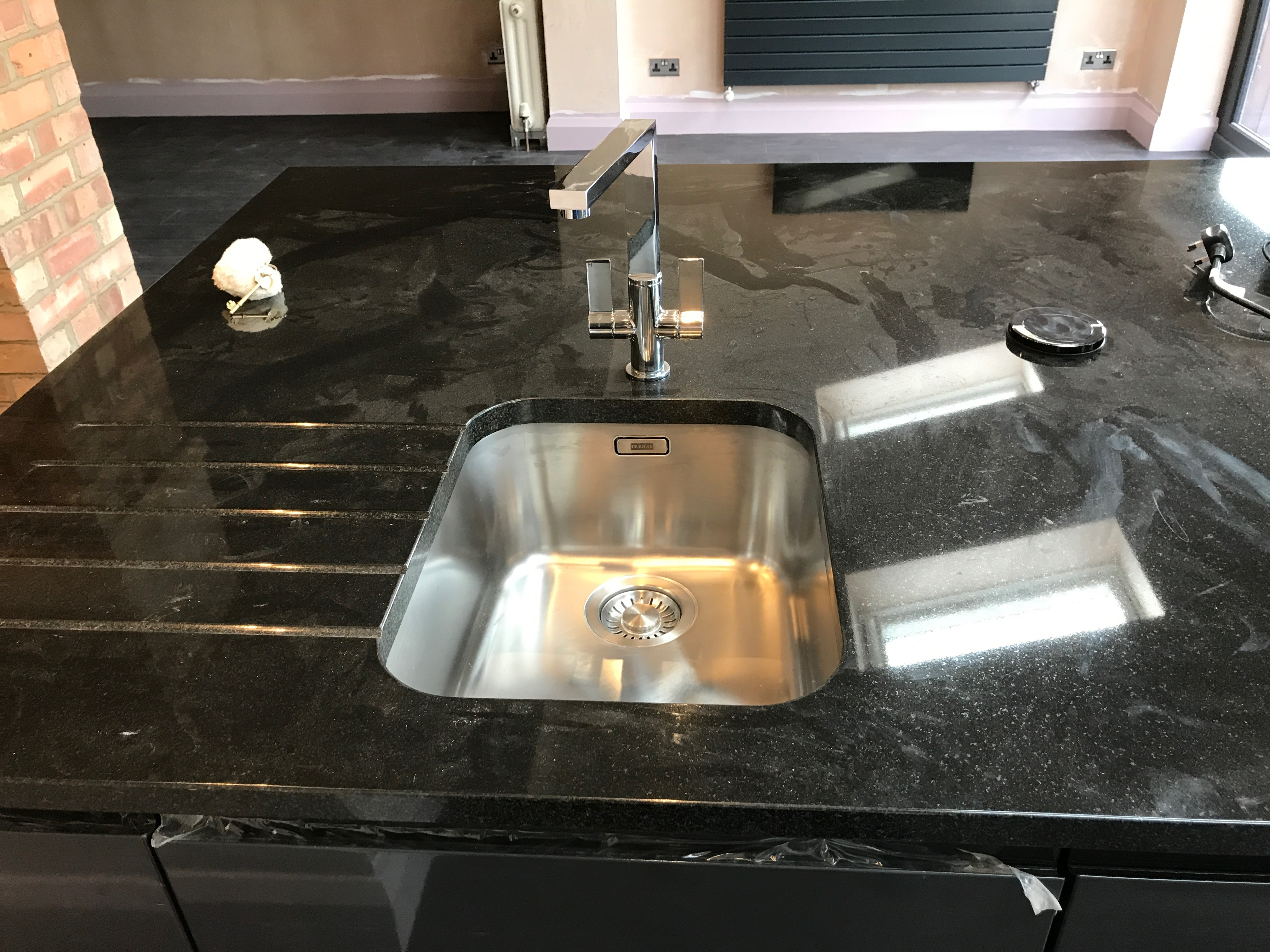 kitchen sink fitted