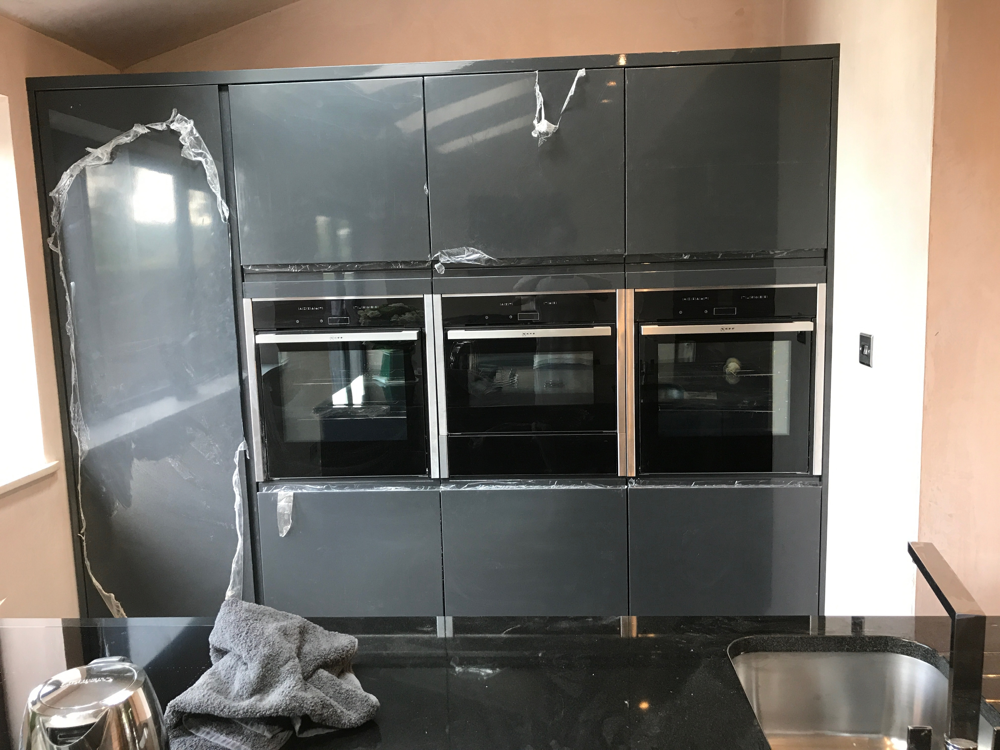 triple intergrated ovens