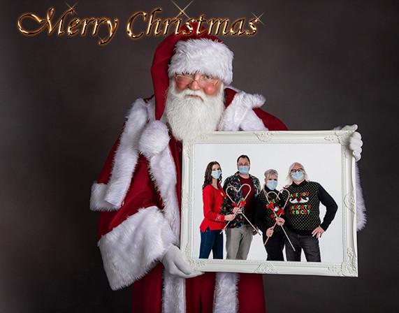 Santa w family in frame 10w merry christ