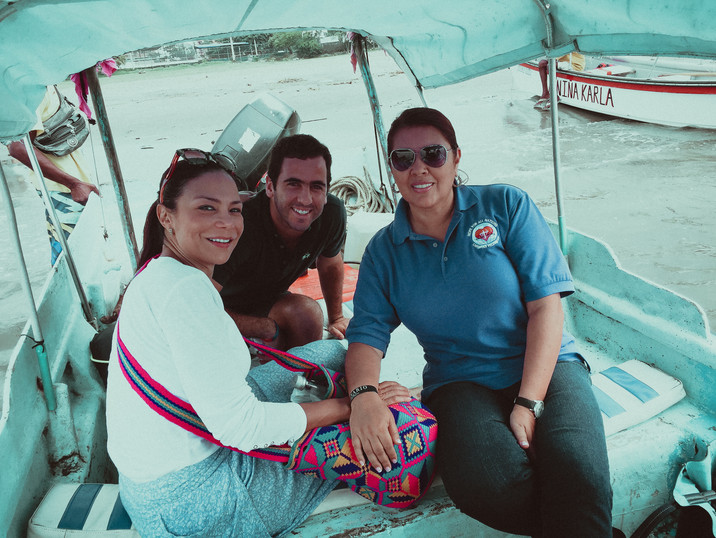 Boat to La Tierra Bomba.jpg