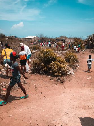 La Tierra Bomba - Clean Up Group2.jpg