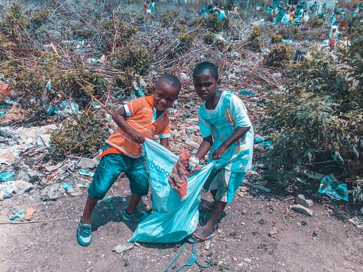 La Tierra Bomba - Clean Up Kids.jpg