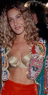 9. Surely SJP could have opted for a better bra for this ensemble?