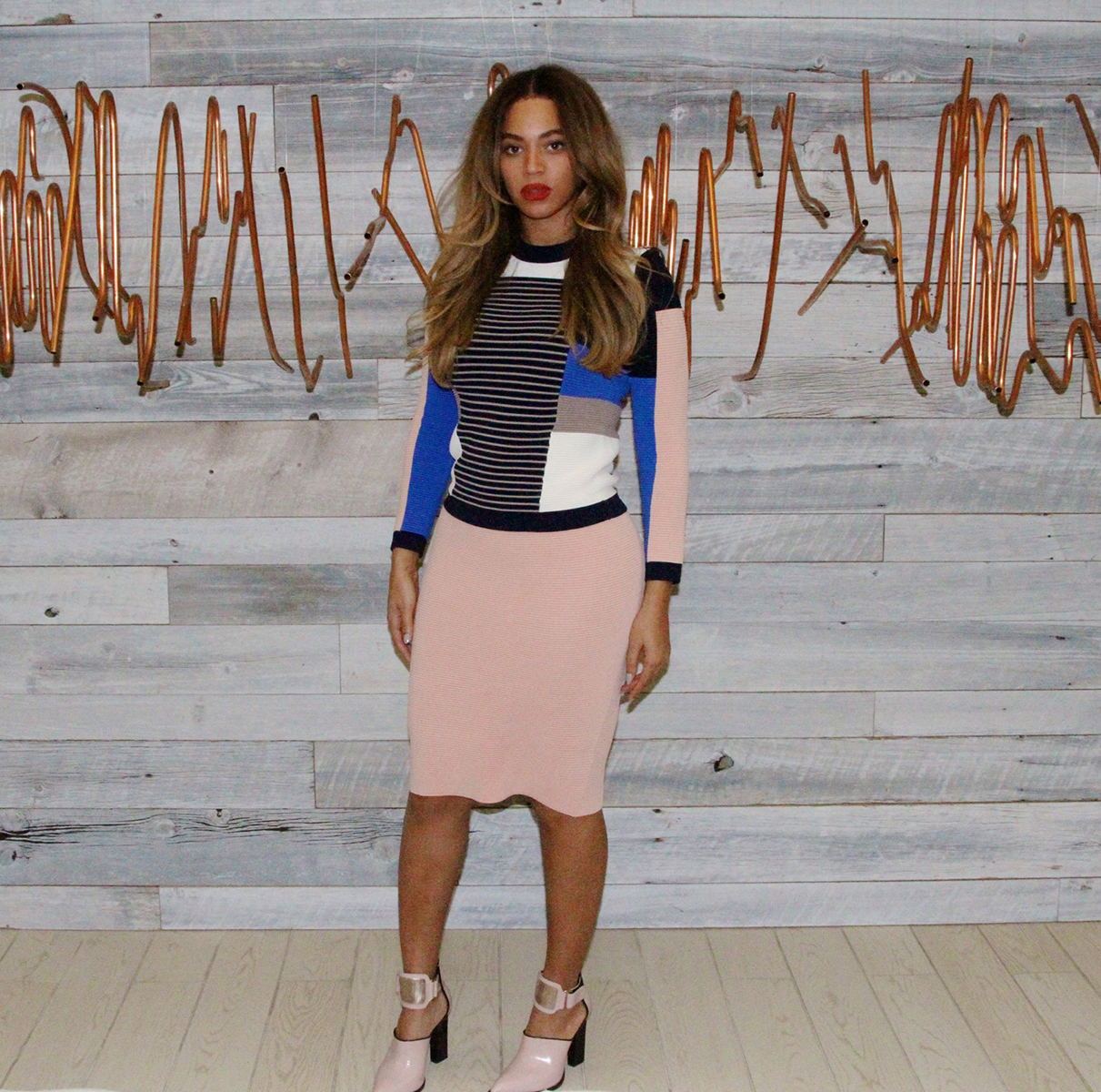 10. Beyonce gets glam with colour blocking