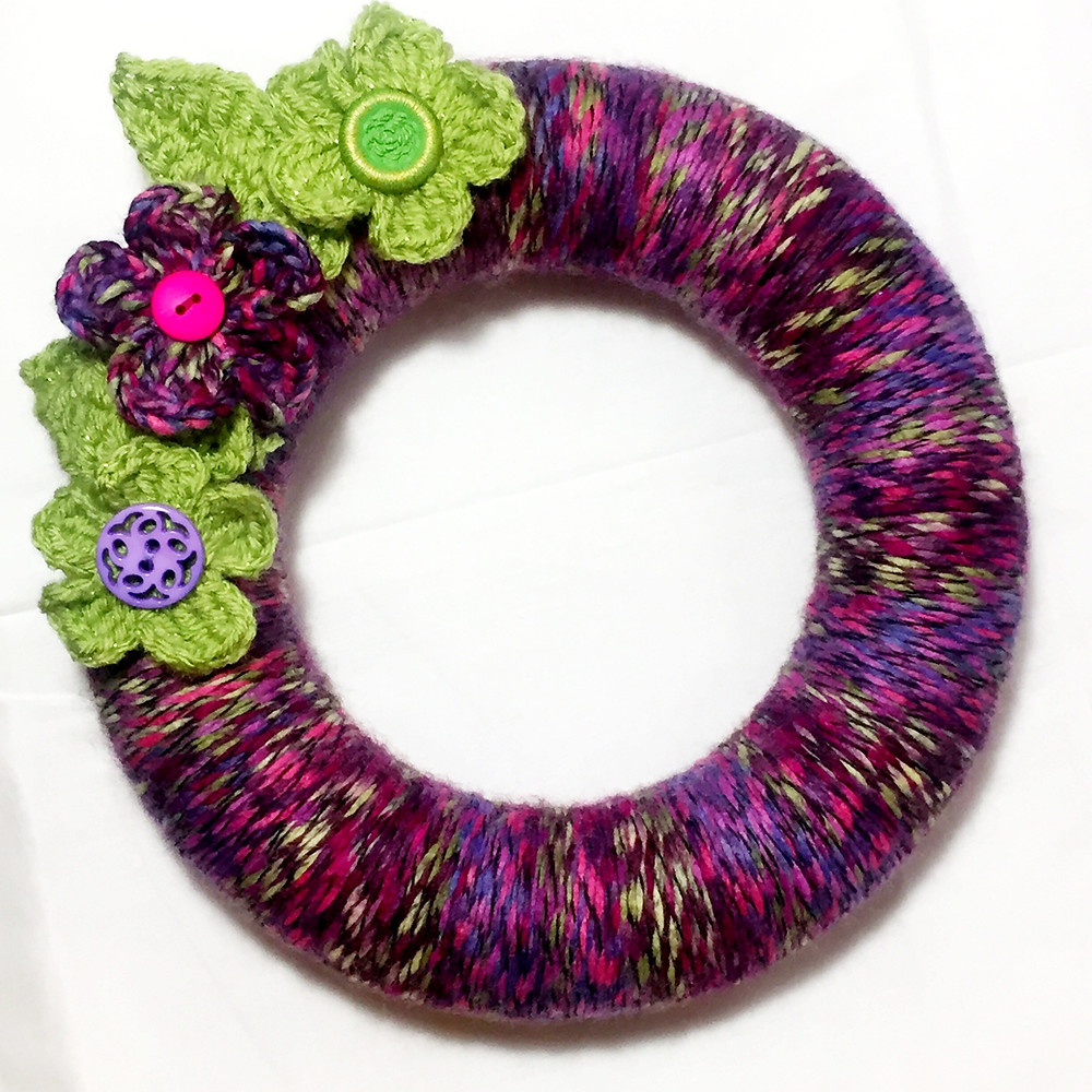 Wreath Wrapping with Crochet Flowers