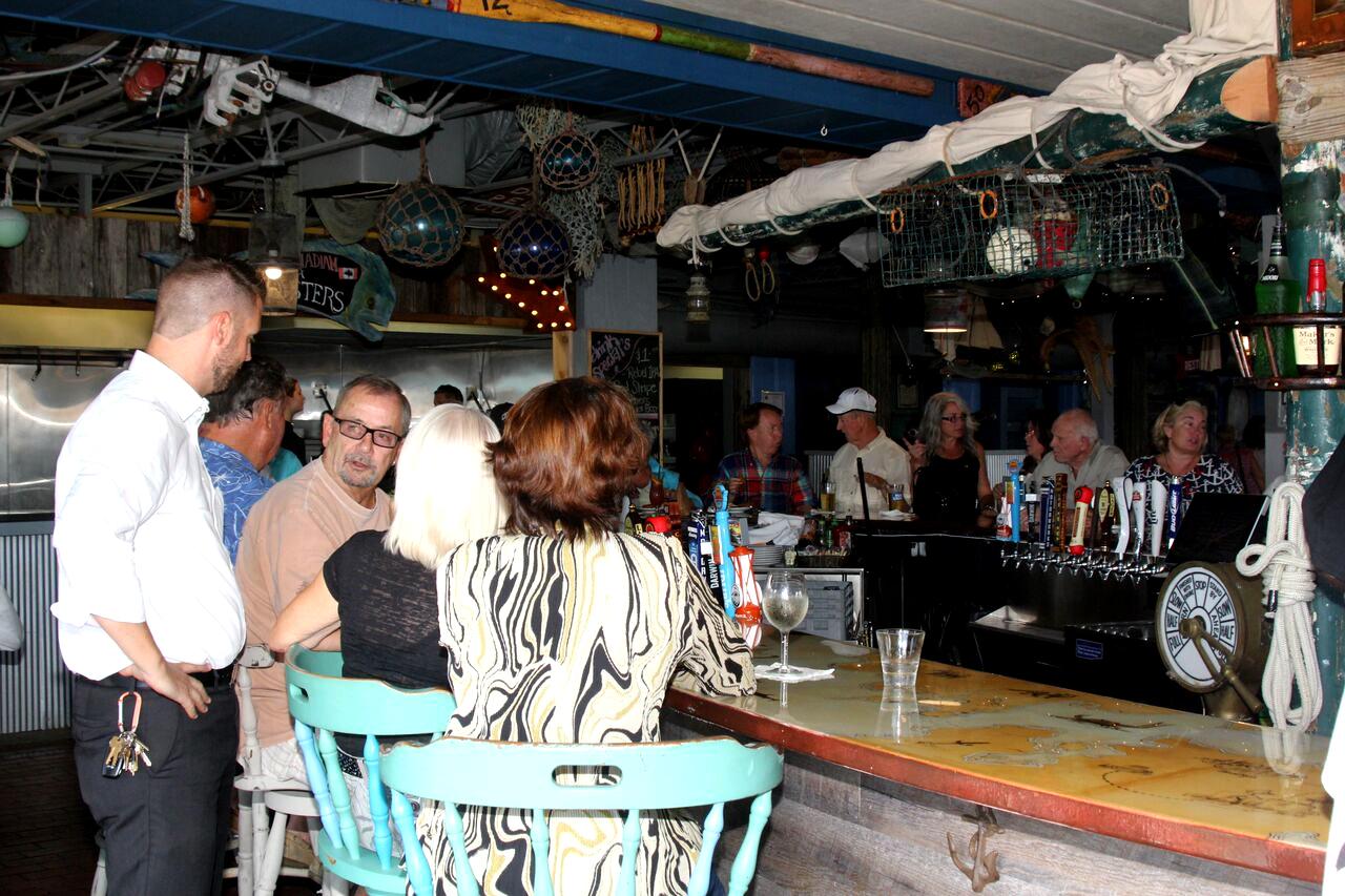 Sea Food Shack Bar Top 4