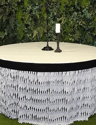 Полосатые скатерти ареда  текстиля банкетные юбки банкетный декор украшение столов на свадьбу стильный текстиль черно-белый
