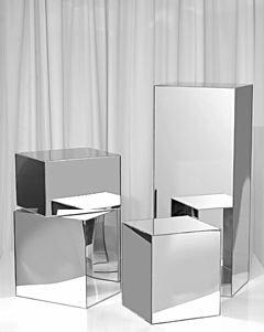 аренда  зеркальных колонн подиумов кубов