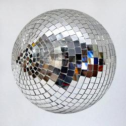 аренда  зеркальных дискоболов аренда  декора зеркальные шары аренда