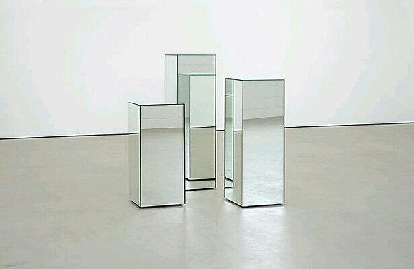 аренда  декора  зеркальных колонн