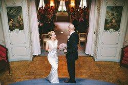wpid356961-elegant-mayfair-sparkly-winter-wedding-17[1].jpg