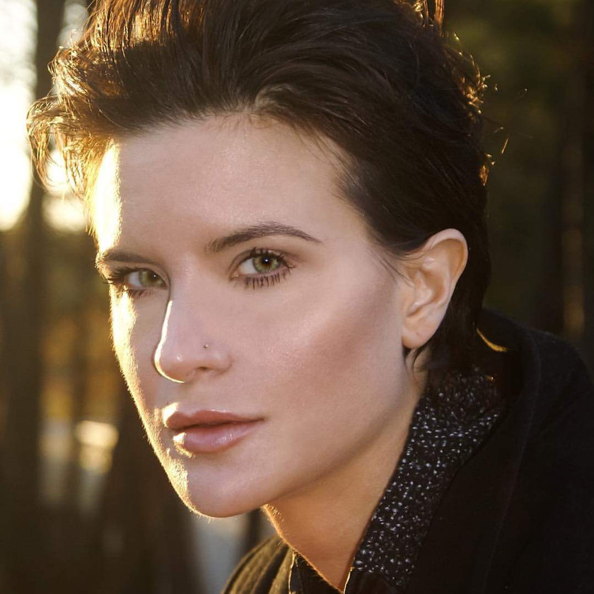 Photographer Lori Brown (www.entire-magazine.com)