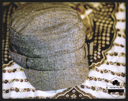 Woman brown gatsby hat_