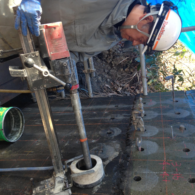 橋脚の耐震補強工事