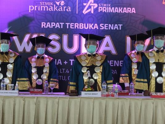 Wisuda Daring Technopreneurship Campus STMIK Primakara