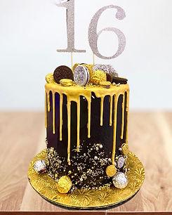 Black & Gold cake.jpg