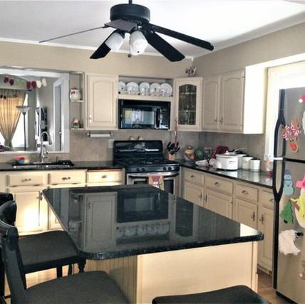 Glen Ellyn Kitchen Remodel Before - Image 2