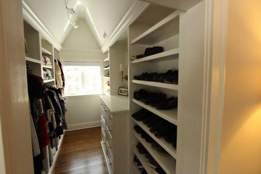 Hinsdale Closet - Image 1
